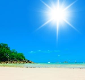 shutterstock_253023556 sunshine over beach Mar15