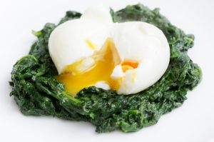 shutterstock_249543424 spinach and egg May15