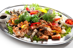 shutterstock_150603923 fish platter June15