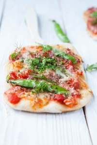 shutterstock_143373568 pitta pizza July15