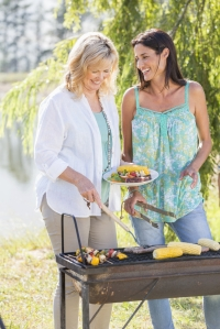 shutterstock_218144947 women bbqing July15