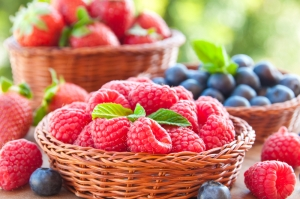 shutterstock_275528870 berries Aug15