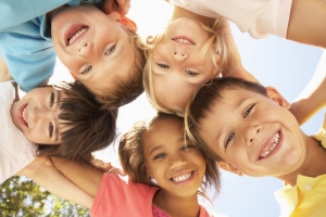 shutterstock_289525484 children group Oct15