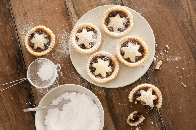 shutterstock_206976145 star mince pies Dec15