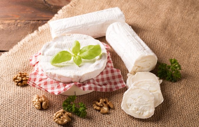 shutterstock_347739773 goats cheese and camembert Dec15