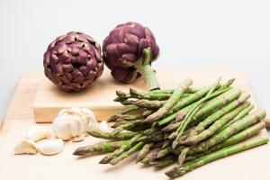 shutterstock_271187426 asparagus, artichoke, garlic Jan16