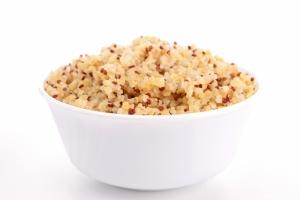 shutterstock_128060603 bowl on quinoa Feb16