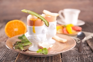 shutterstock_265206914 boiled egg asparagus Feb16