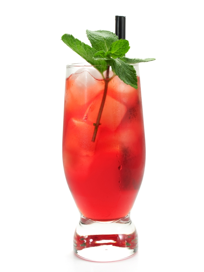 An alcohol-free cocktail with mint leaves