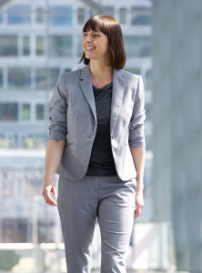 shutterstock_292441592 business woman walking in town Nov15