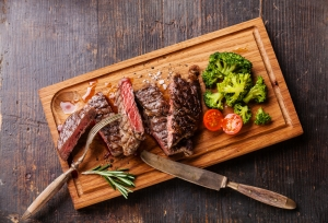 shutterstock_281824214 beef and broccoli COQ10 Mar16