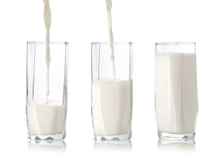 shutterstock_157407788 3 milk glasses Apr16