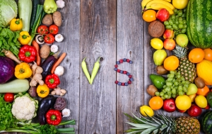 shutterstock_212634163 fruit versus vegetables May16