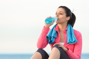 shutterstock_134844665 isotonic drink fitness woman June16
