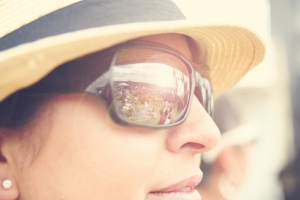 shutterstock_169844339 woman hat sunglasses June16
