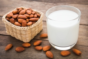 shutterstock_252012256 almonds and almond milk June16