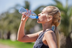 shutterstock_272962934 woman drinking water June16