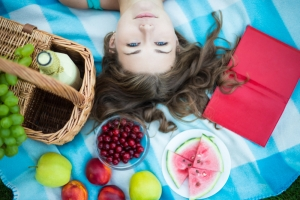 shutterstock_324733493 fruit picnic June16