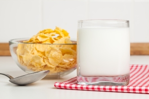 shutterstock_400163152 glass of milk June16