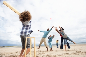shutterstock_78391000 family cricket beach June16