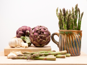 shutterstock_271187414 asparagus and artichoke July16