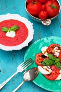 shutterstock_306399194 soup and salad July16