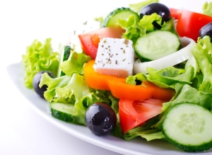 shutterstock_133631465 greek salad Aug16