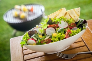 shutterstock_179802641 healthy summer salad Aug16