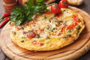 shutterstock_217423210 spanish omelette tortilla Aug16