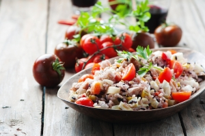 shutterstock_286876157 tuna and rice salad Aug16