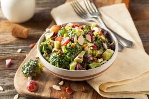 shutterstock_392821396 broccoli salad Aug16
