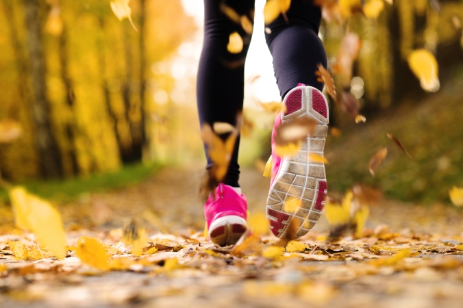 shutterstock_158873396-woman-running-autumn-oct16
