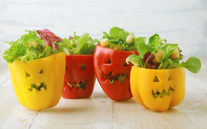 shutterstock_214553419-healthy-halloween-peppers-oct16