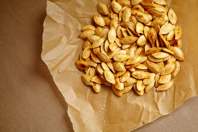 shutterstock_215898946-roasted-pumpkin-seeds-oct16