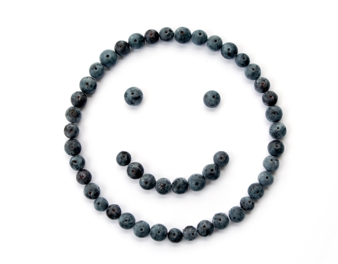 shutterstock_3735352-blueberries-smile-face-oct16