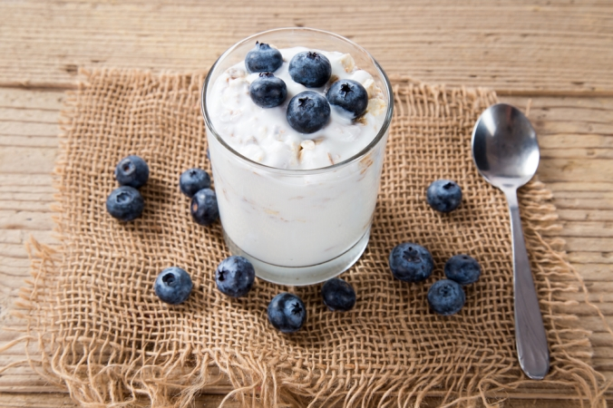 shutterstock_347170256-yoghurt-with-blueberries-nov16