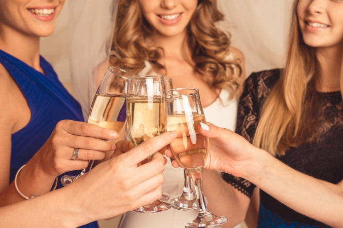 shutterstock_352181312-friends-prosecco-cheers-nov16