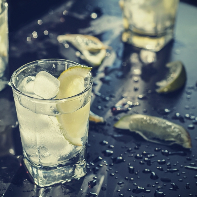 shutterstock_523629775-vodka-soda-lime-nov16
