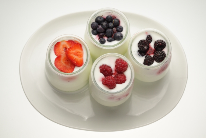shutterstock_224277847-yoghurt-and-fruit-dec16
