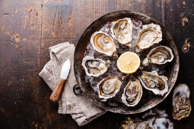 A plate of fresh oysters