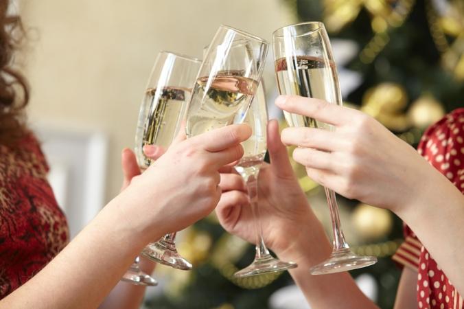 shutterstock_307169939-champagne-dec16
