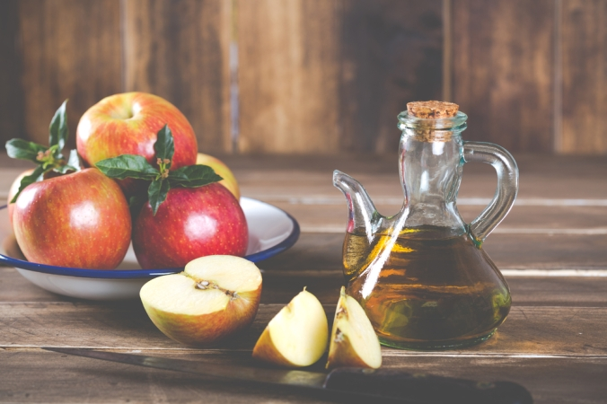 shutterstock_325905509-apple-cider-vinegar-jan17