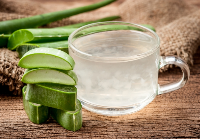 shutterstock_403942813-aloe-vera-juice-and-plant-jan17