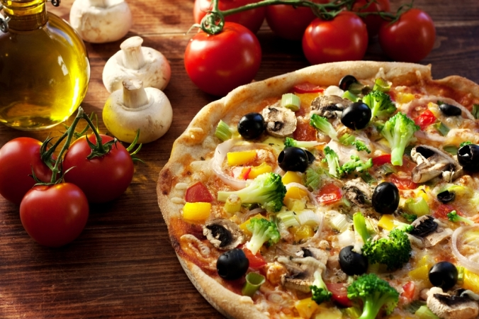shutterstock_145189987-vegetarian-pizza-feb17