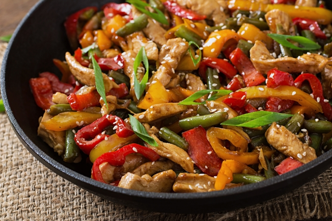 shutterstock_316468880-chicken-stir-fry-feb17