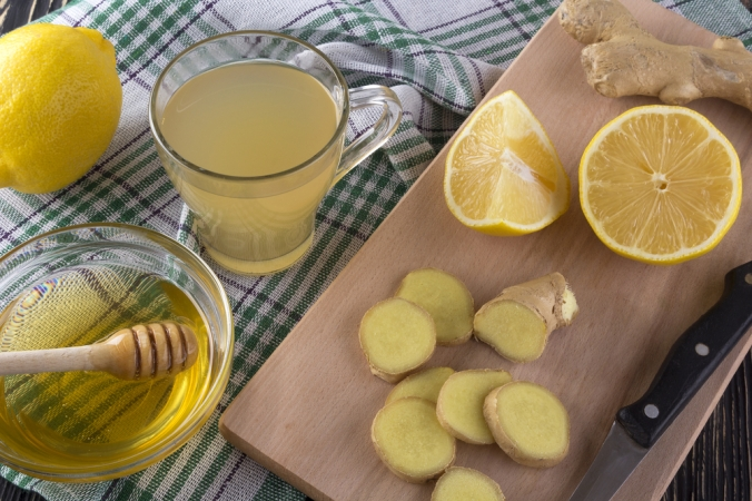 shutterstock_448975366-ginger-drink-lemon-ginger-feb17