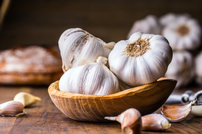 shutterstock_552242461 garlic Aug17