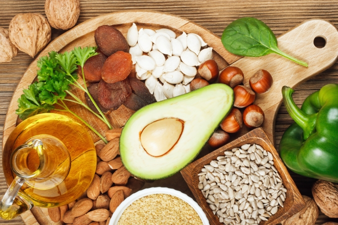 A range of foods containing vitamin E