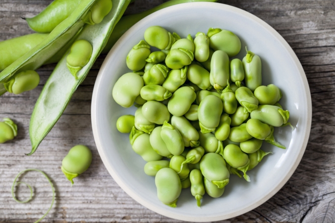 Broad beans in a bowl