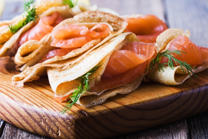 Smoked salmon and chives wrapped in pancakes